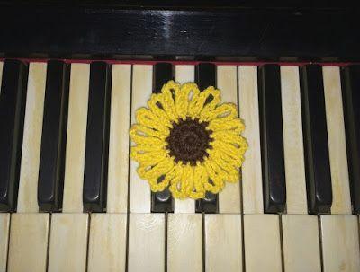 Sunflower handmade #2 | TEEA Spacegirl