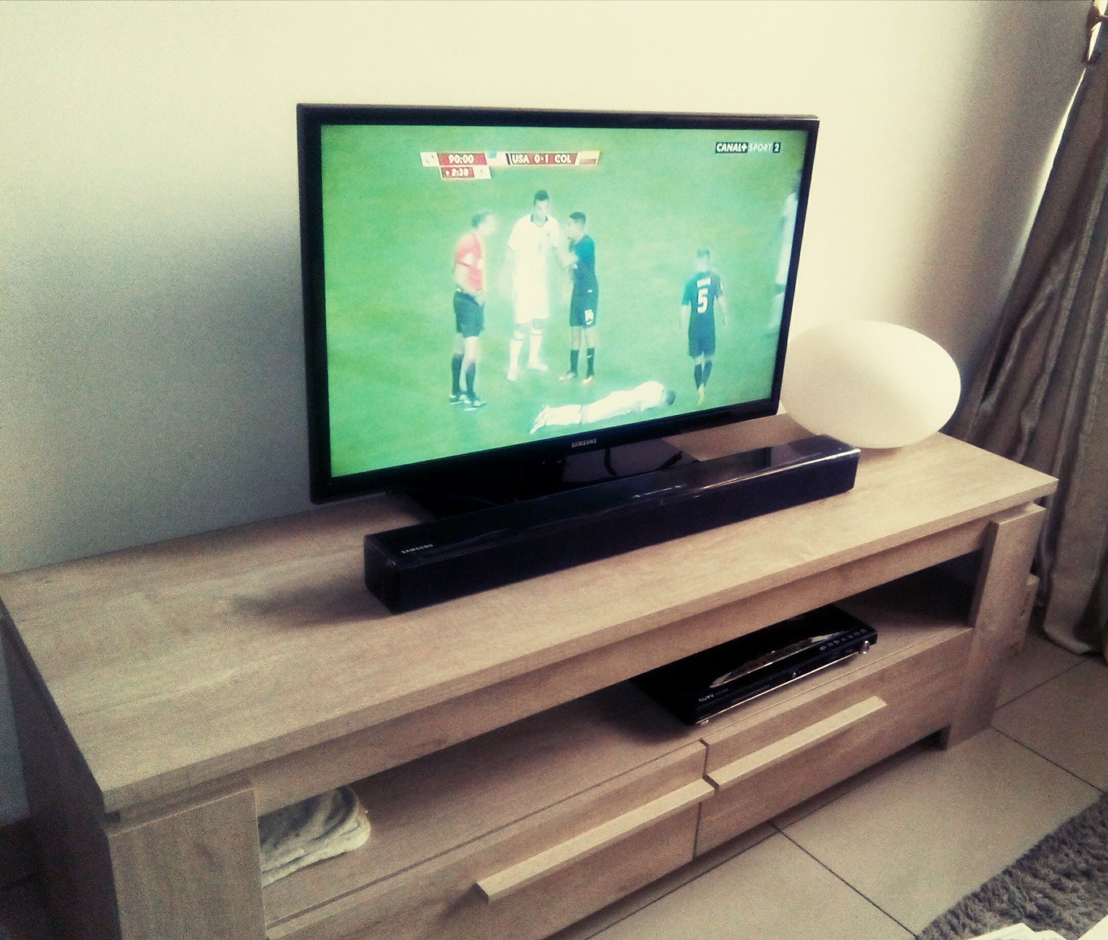 electronic products flatscreen tv