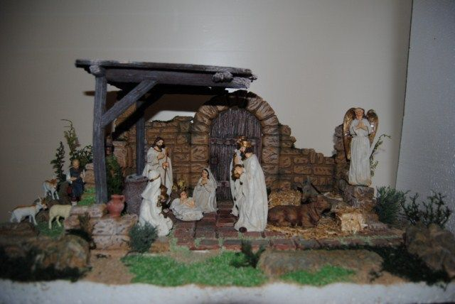 Nacimiento pesebre en casa romana derruida pesebres h - Tegole decorate istruzioni ...