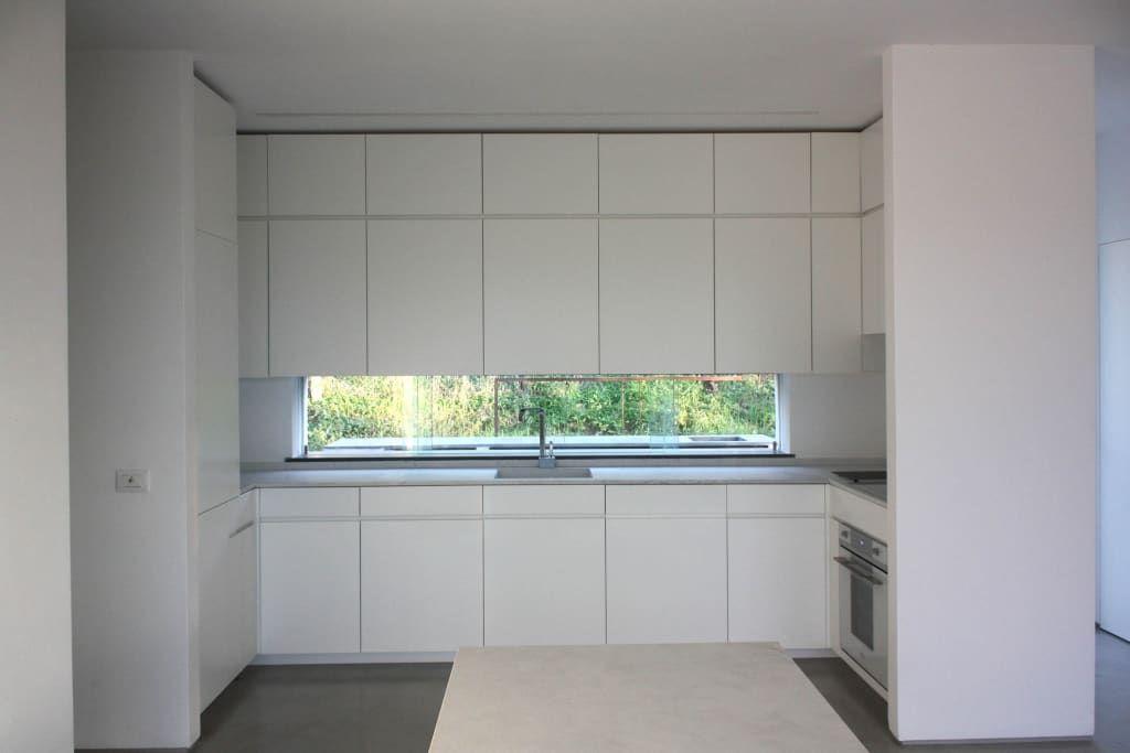 Villa b&d cucina minimalista di cottone+indelicato architetti minimalista