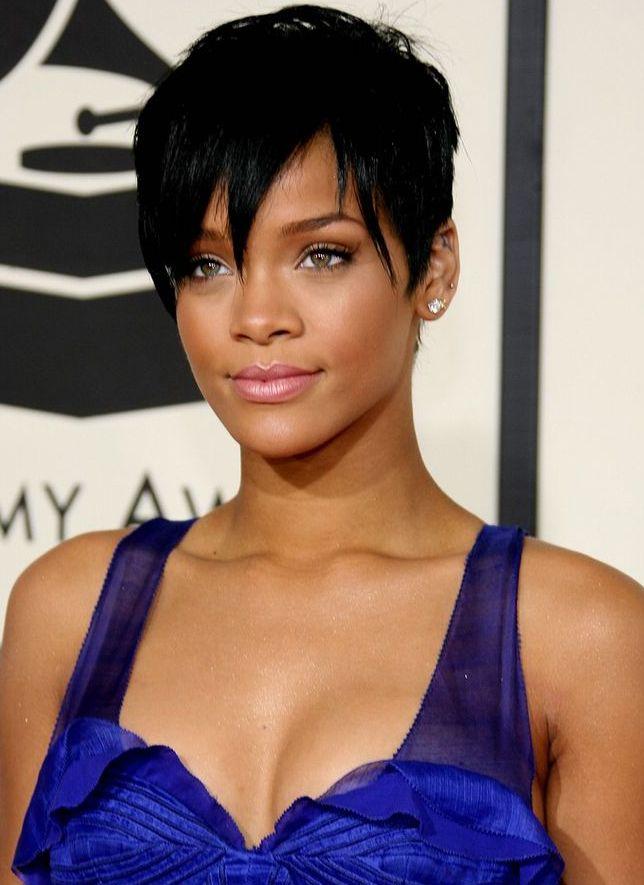Rihanna Styles de coiffures, Coupe de cheveux et Coiffure