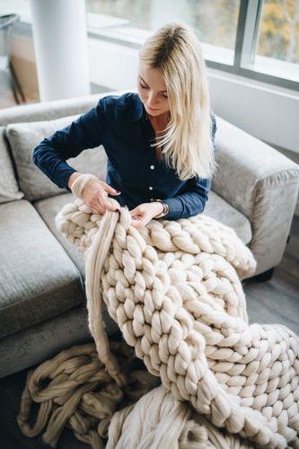 Photo of So basteln Sie eine grob gestrickte Decke – Bastelanleitung für Anfänger