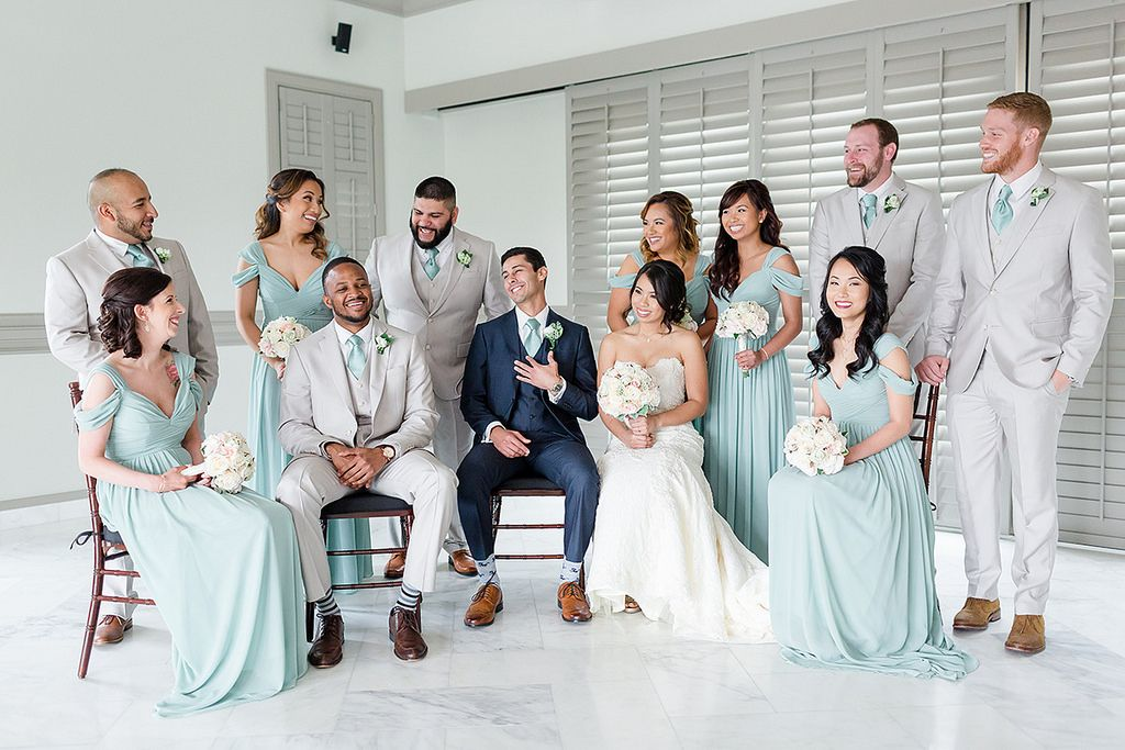 A stylishly handcrafted wedding at noahs in chesapeake