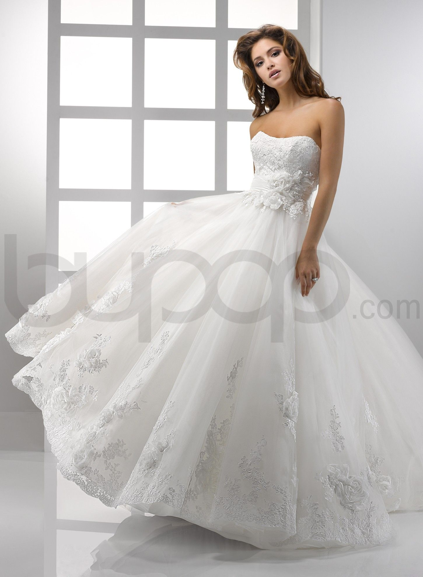 Flowing Tulle and Embellished Lace Ball Gown Scoop Neckline Wedding ...
