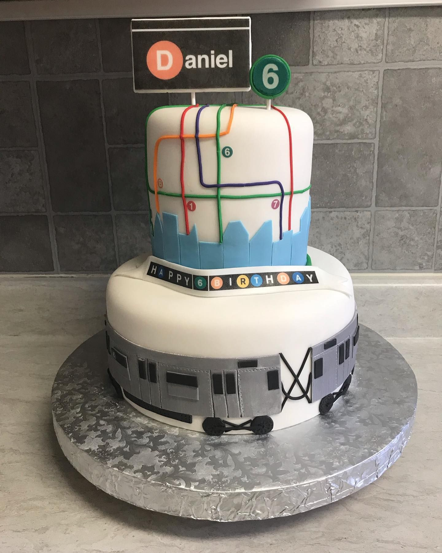 Stand Clear Of The Closing Door Please The Next Stop Is Isascake Mta Train Cake Cakeideas Isascakeny Isascake Iphone Train Cake Cake Fondant Cake