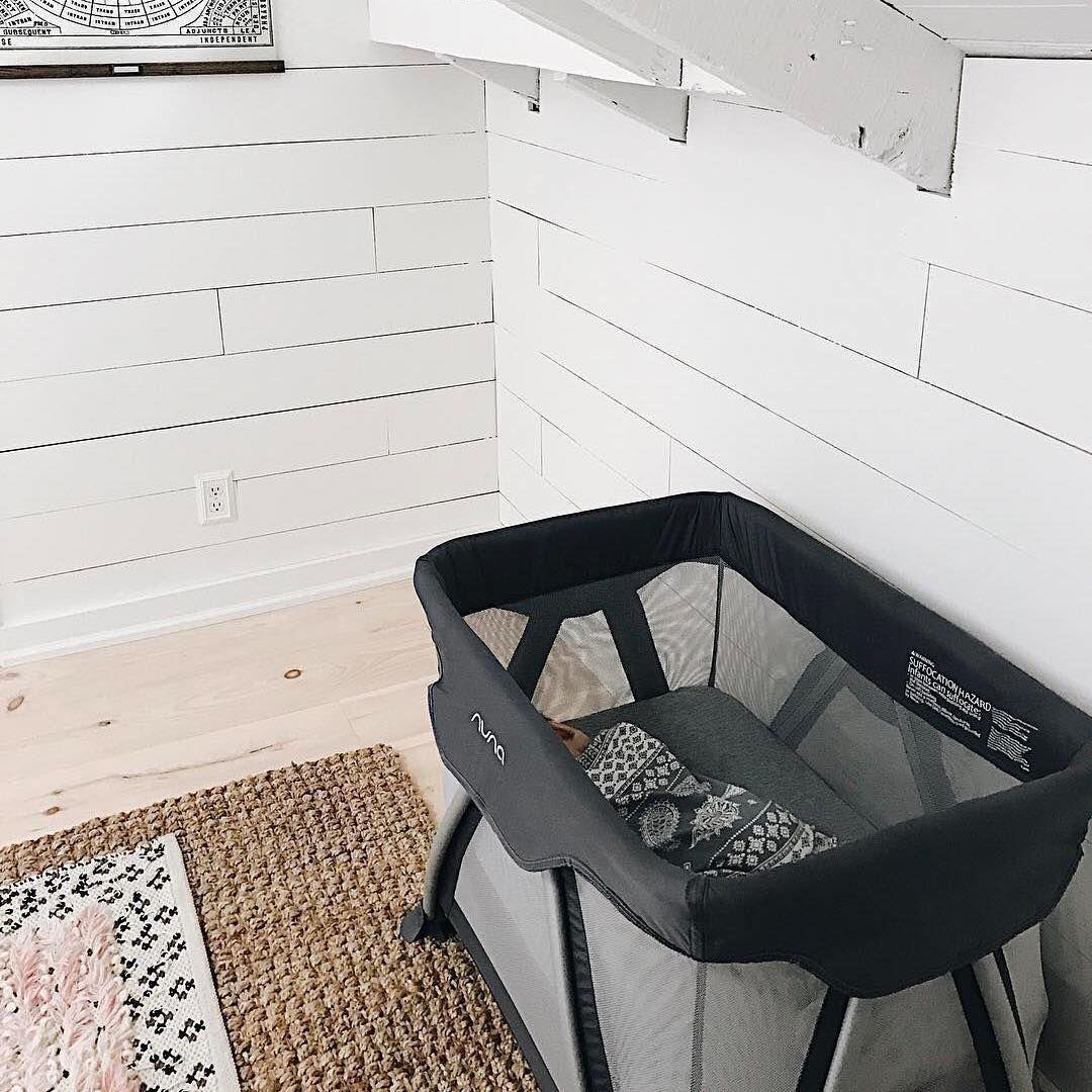 Nuna Sena Aire and Aire Mini Portable crib, Cribs, Small