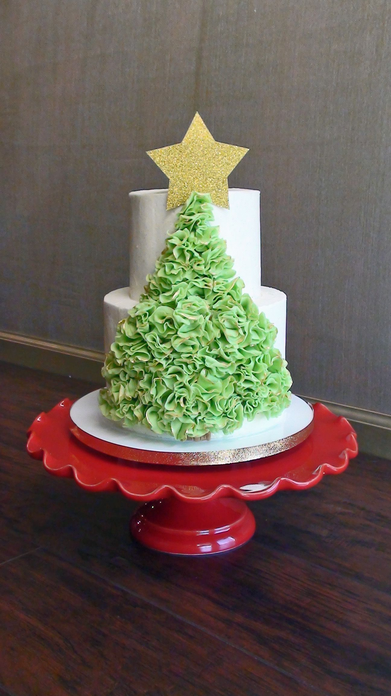 Scrunch Ruffle Christmas Tree - Buttercream cake with fondant scrunch ruffles, tipped with gold and a gumpaste star. Merry, merry, merry! :)