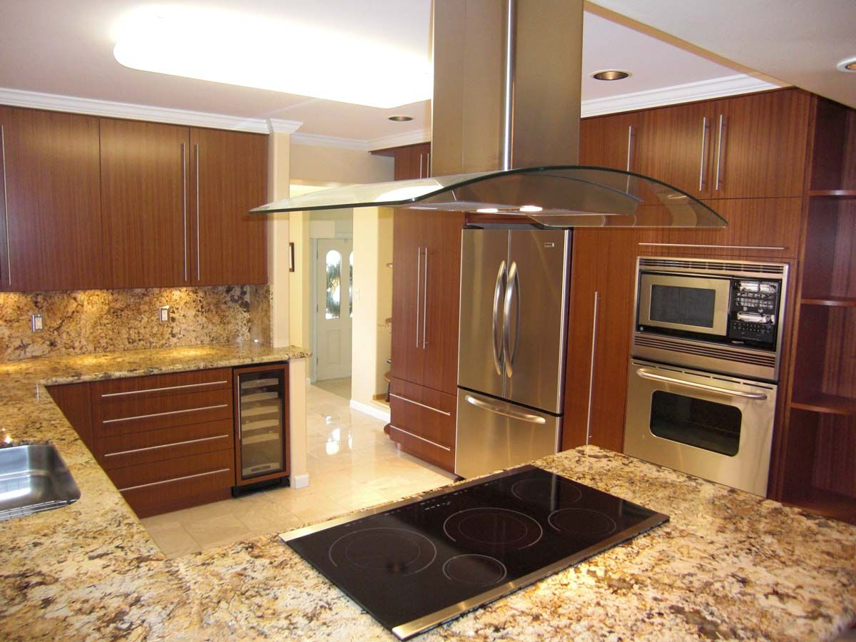 Like This Flat Glass Top Stove And Glass Hood Need Ocean View Too Custom Kitchen Cabinets Cheap Kitchen Cabinets Kitchen Cabinets