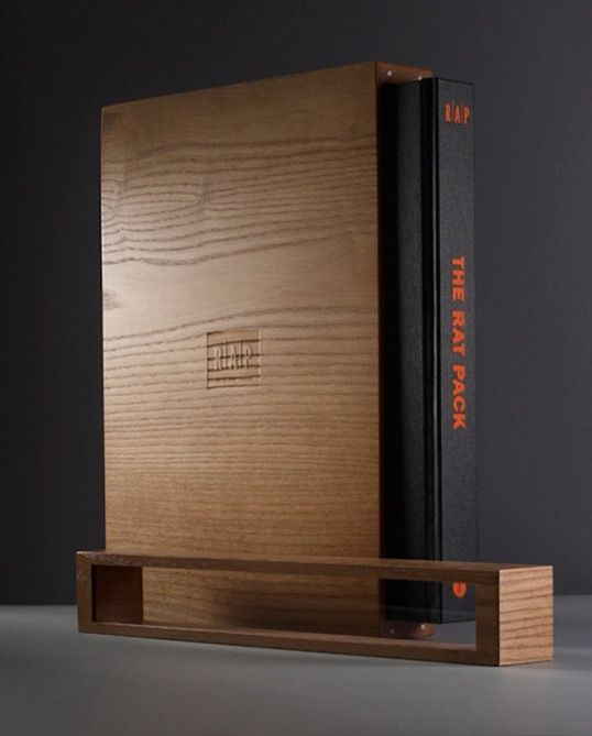 This book comes in a box that is then encased in a wooden box.  Outstanding.