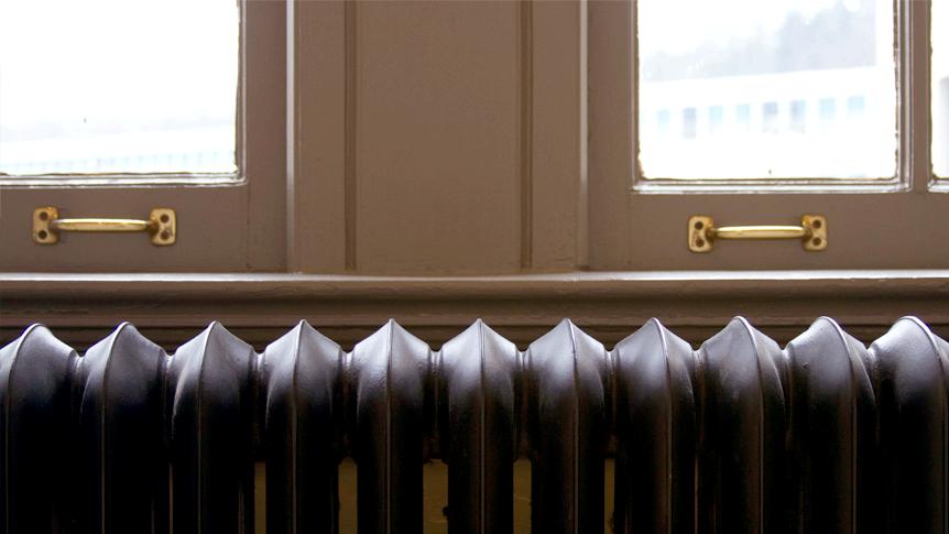 HÜSEYIN ÇAKIR heated his dorm room with a Tweet. http://stories.twitter.com/en/huseyin_cakir.html