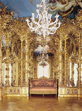 Neues Schloss Herrenchiemsee Inhalt Neues Schloss Herrenchiemsee Ankleidezimmer Ende Des Rundgangs Herrenchiemsee Burgen Und Schlosser Schloss
