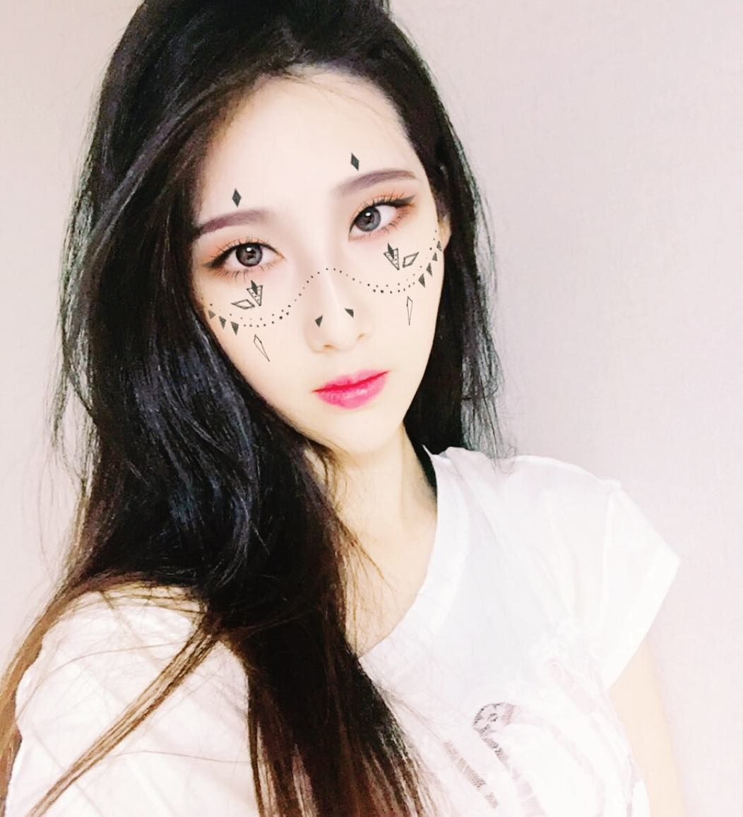 http://www.youtube.com/channel/UCqEqHuax3qm6eGA6K06_MmQ?sub_confirmation=1 뭔가무서운데 #포니 #포니메이크업 #포니어플 #셀카얼스타그램 #makeup #셀카그램 #selfie # selca #me #셀카 #셀피 #심심 #나 #유행 #어플 #메이크업 #어플 by ji_jiy