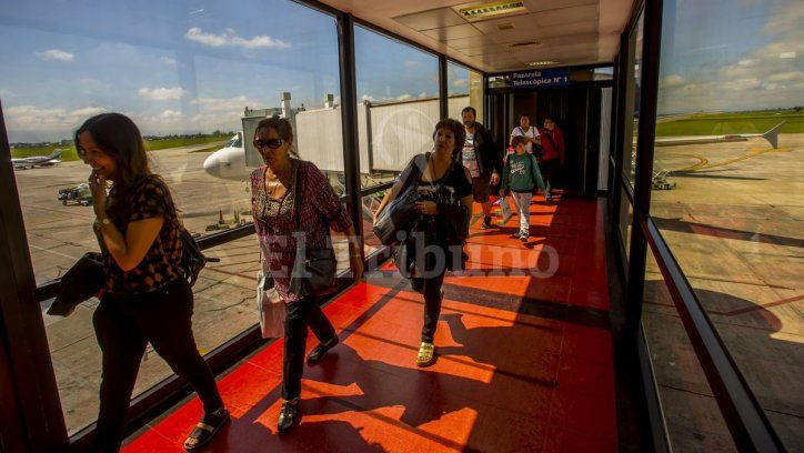 Creció un 13% el tránsito de pasajeros en el aeropuerto - El Tribuno.com.ar