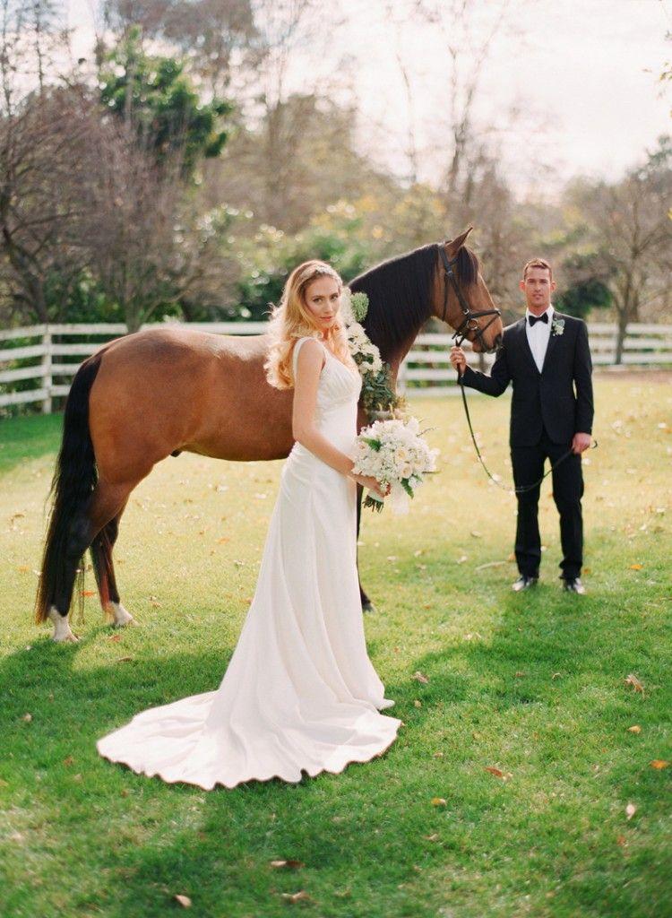 Pin By Kate O Mara On Pretty Wedding Things Barnyard Wedding Horse Wedding Equestrian Wedding