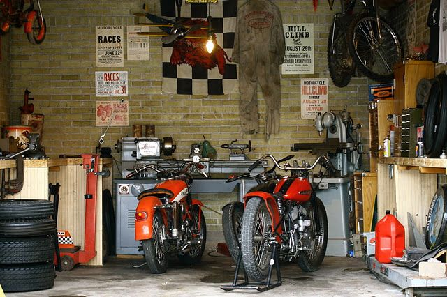 Garage le garage de mes r ves pinterest atelier for Amenagement garage moto