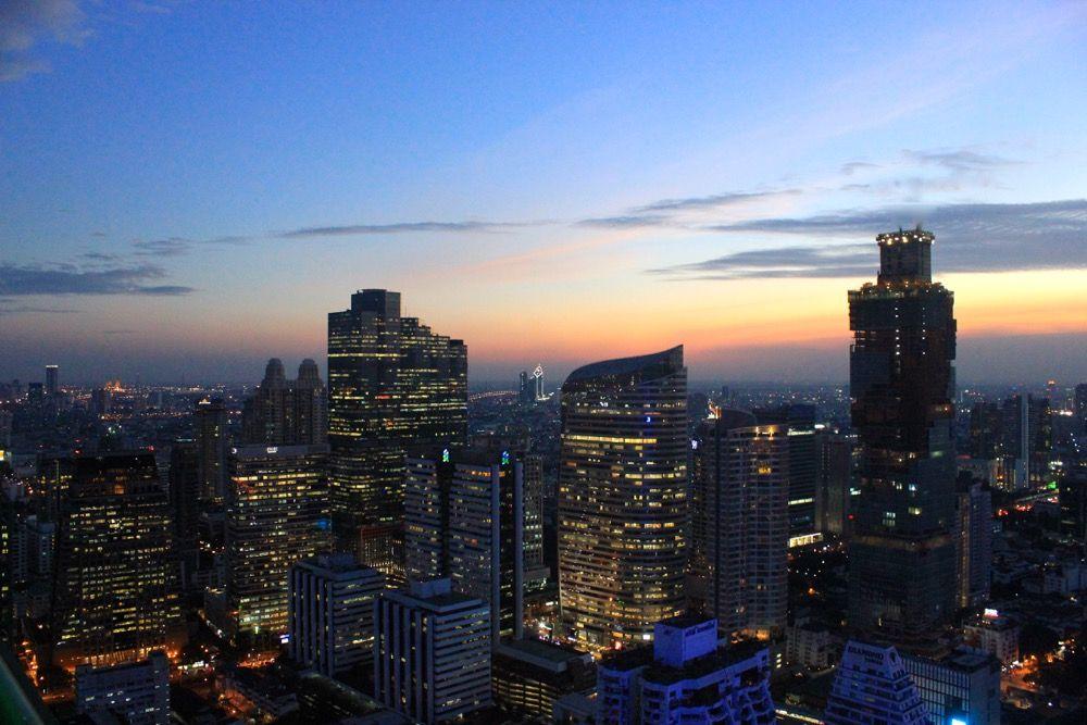 Bangkok er en metropol i Asia. Opplev både det urbane og det historiske Bangkok i løpet av noen dager i Englenes by. Shopping i Bangkok er en fantastisk opplevelse.