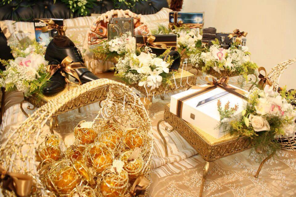 Malay Wedding Gifts: Brown & Gold Gubahan Hantaran By Didi Ali. Please Feel
