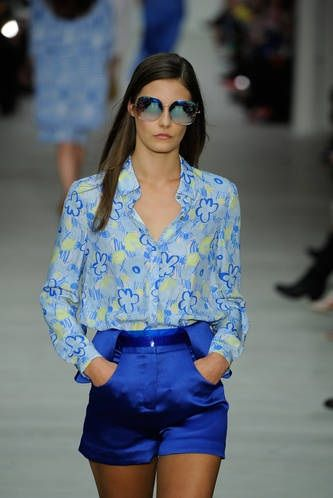 Be relaxed and sporty in these silk blue shorts and shirt combo as seen at Matthew Williamson #LFW #Inspiredby