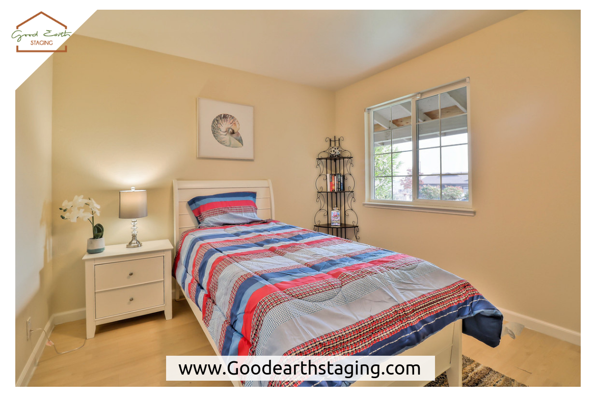 Home Staging At 4609 Capitola Ave San