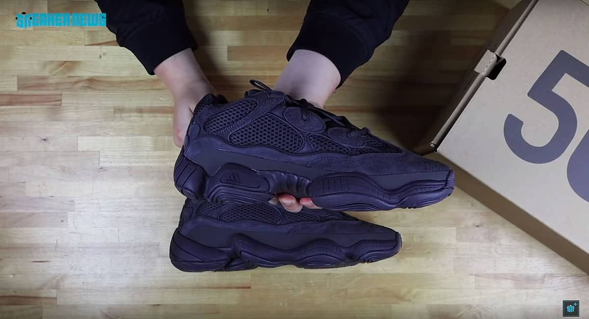 1fc5e86441cc8 아디다스 이지 500 유틸리티 블랙 언박싱 by Sneakernews(Yeezy 500 Unboxing by Sneakernews)