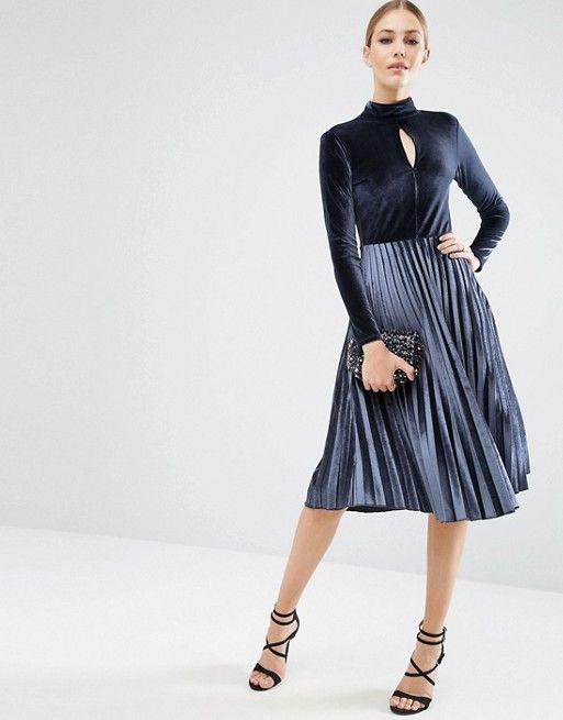 98067f13edc4 Vestido terciopelo y falda plisada
