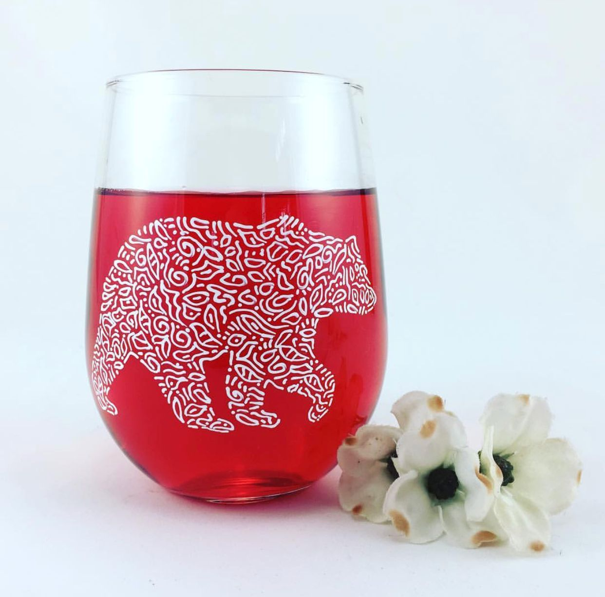 For Inspiration Beautiful Wine Glass Painted By Butterfly Rouge Paint Pens Creative Crafts Easy Paintings