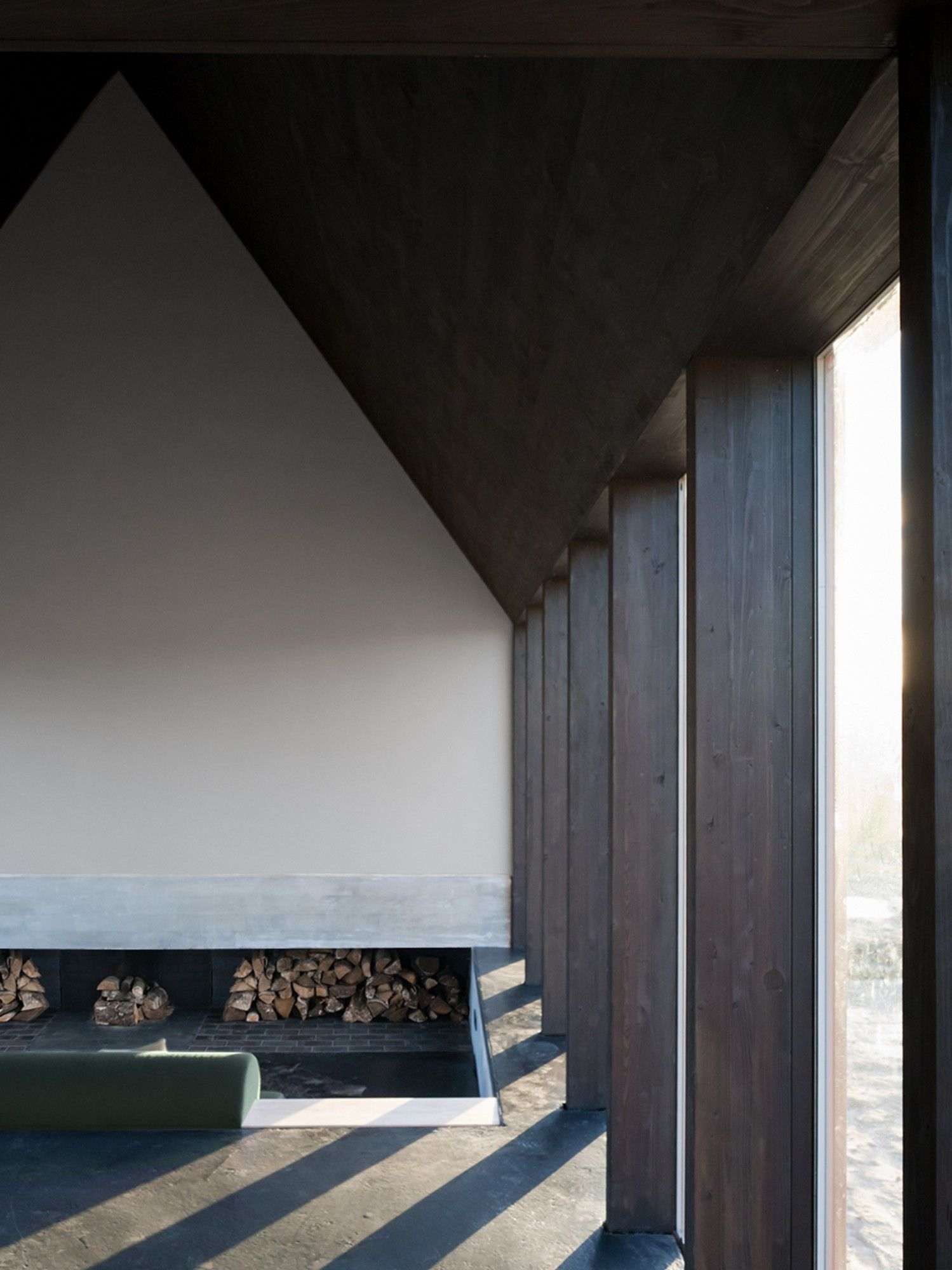 Schwarzes Haus schwarzes haus tka interior architecture
