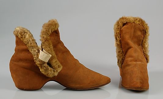 ~Carriage boots Date: 1895–1910 Culture: American Medium: Leather, fur~  #1895  #fashion