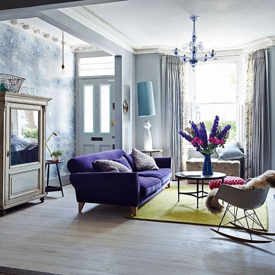 Eclectic Living Room With Purple Sofa Interer Modern