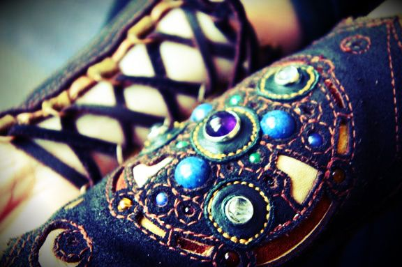 #jewels #gems #crystals #ulantia #leather #cuffs #armbands