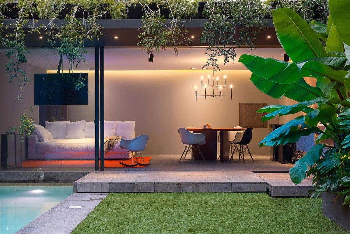 Barrancas House es un proyecto residencial completado por EZEQUIELFARCA Arquitectura y Diseño. #casas #casamoderna #terrazadelujo #jardin #diseño #arquitectura #casasactuales #casasdelujo #lujo #casoplones
