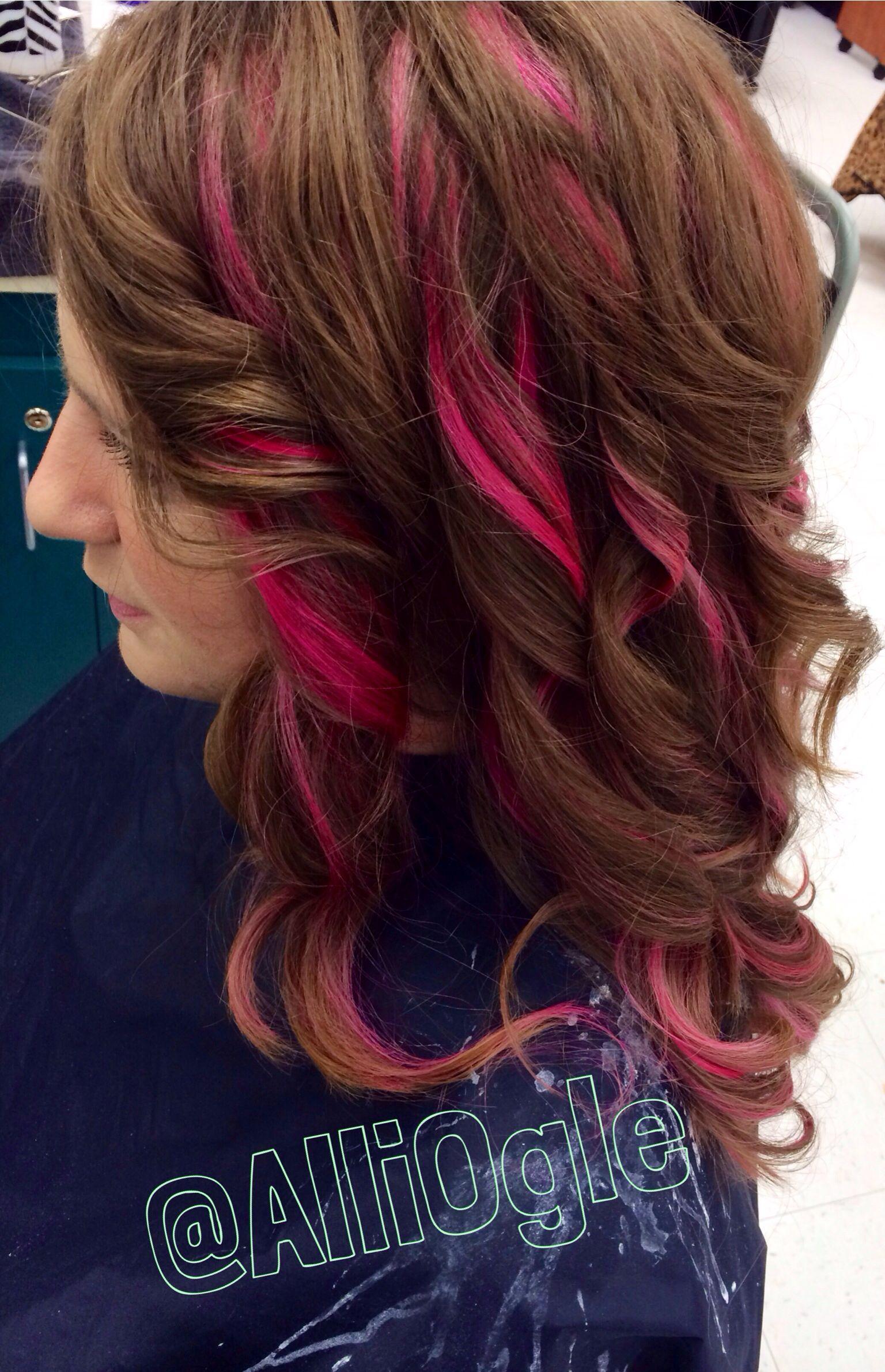 Magenta Pink Highlights Light Brown Hair Brown Hair With Pink Highlights Hair Color Highlights Blonde Hair With Pink Highlights