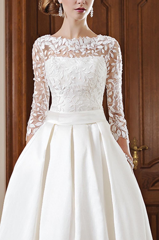 Schmales Brautkleid mit Ärmeln abnehmbare Schleppe