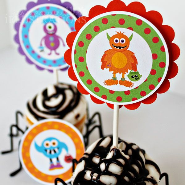 This listing is for Printable Party Circle Tags featuring cute Trick or Treat Monsters theme! Your printable file will come in PDF & JPG formats.