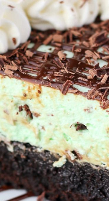 Brownie Bottom Mint Chip Mousse Pie