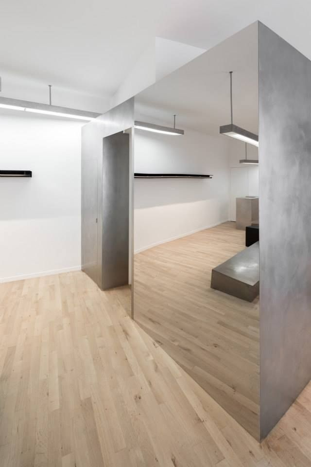 Krisvanassche Boutique, Paris designed by Cigue