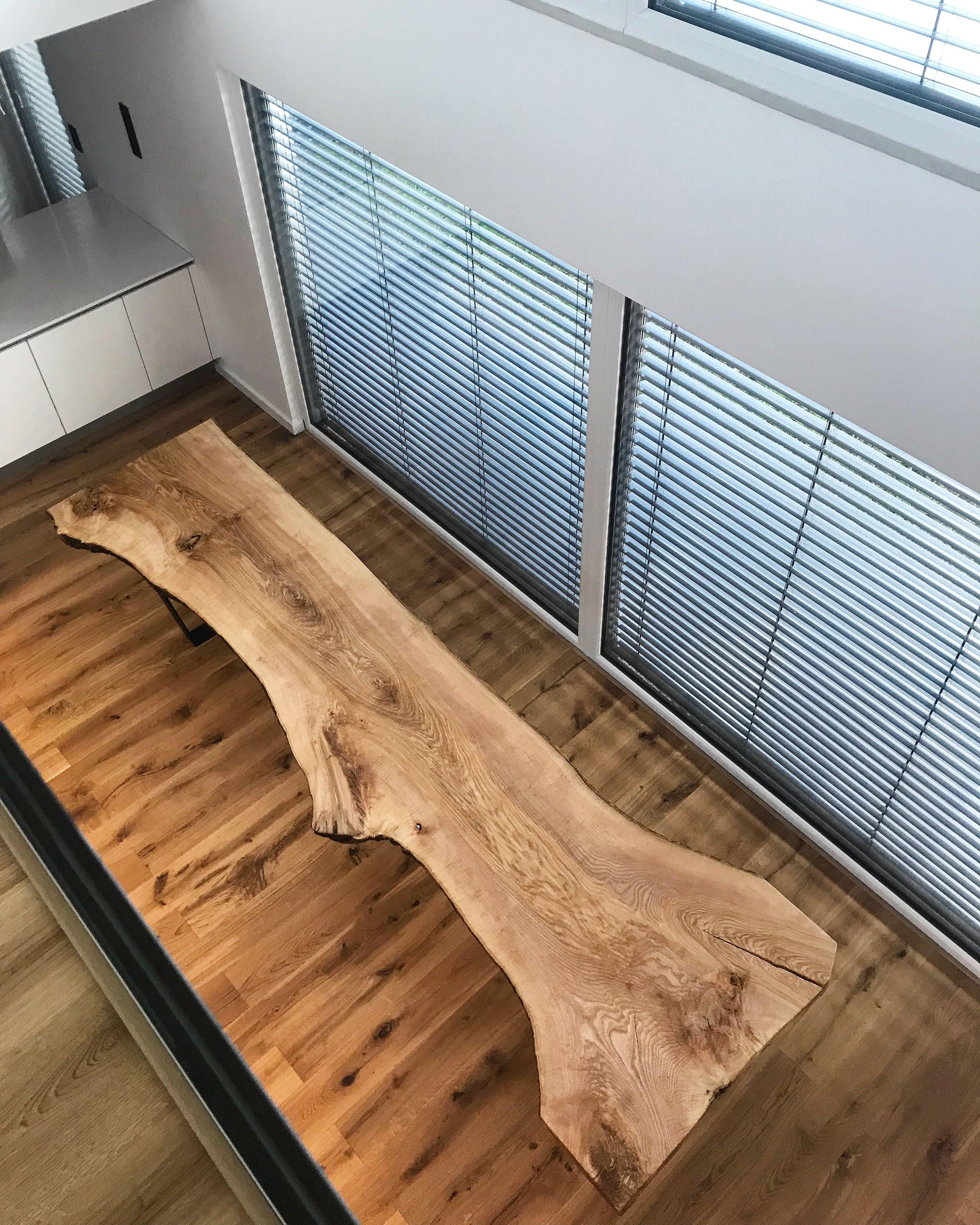 baumtisch aus einem st ck dinningtable liveedgetable table livingroom esstisch massivholztisch. Black Bedroom Furniture Sets. Home Design Ideas