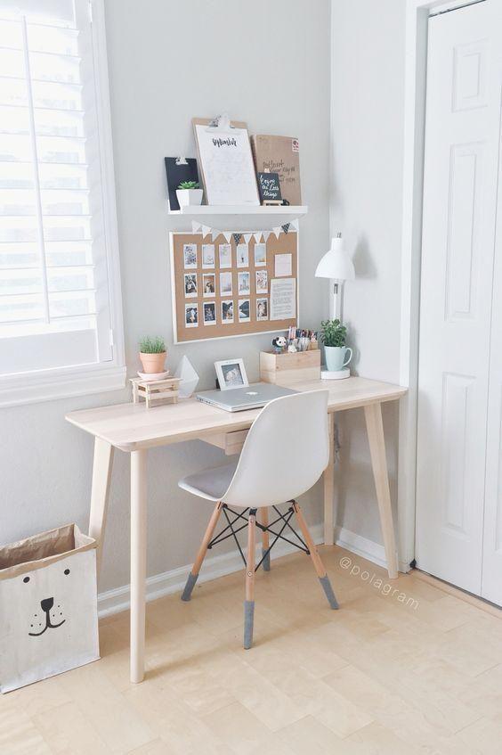 Bajkowe Pomysły Na Urządzenie Małego Pokoju W Stylu Skandynawskim Small Desk Bedroom Room Decor