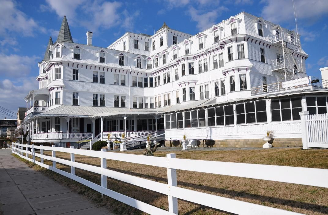Inn of Cape May Queen Anne Style   Victoriana   Pinterest   Queen     Inn of Cape May Queen Anne Style