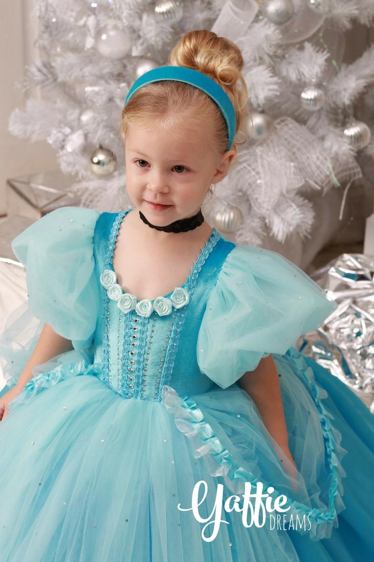 Beautiful Cinderella dress Disney Cinderella Halloween costume ...
