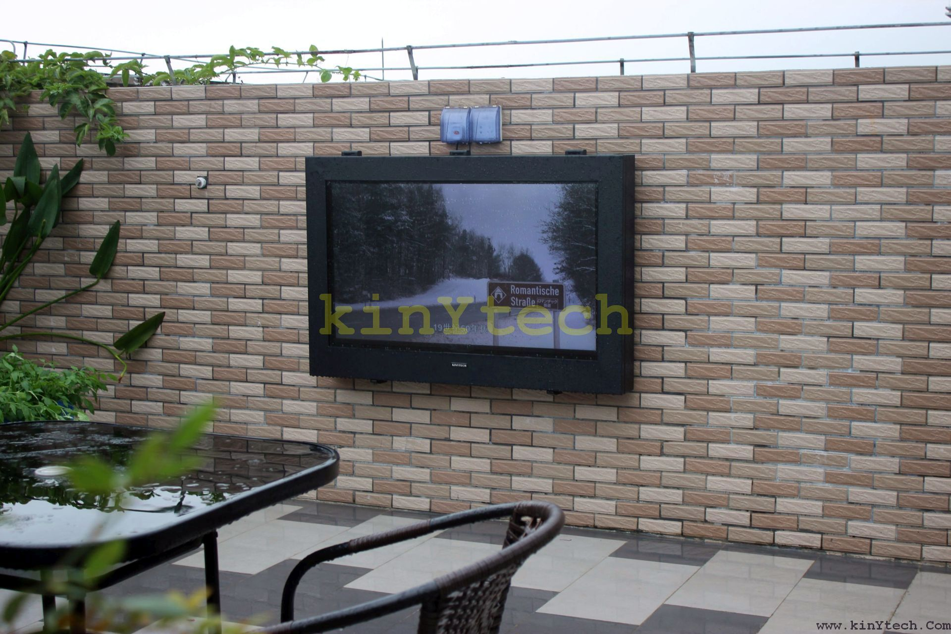 Outdoor Tv Box From Kinytech China Waterproof Tv Case Outside Tv Cabinet With Images Outdoor Screens