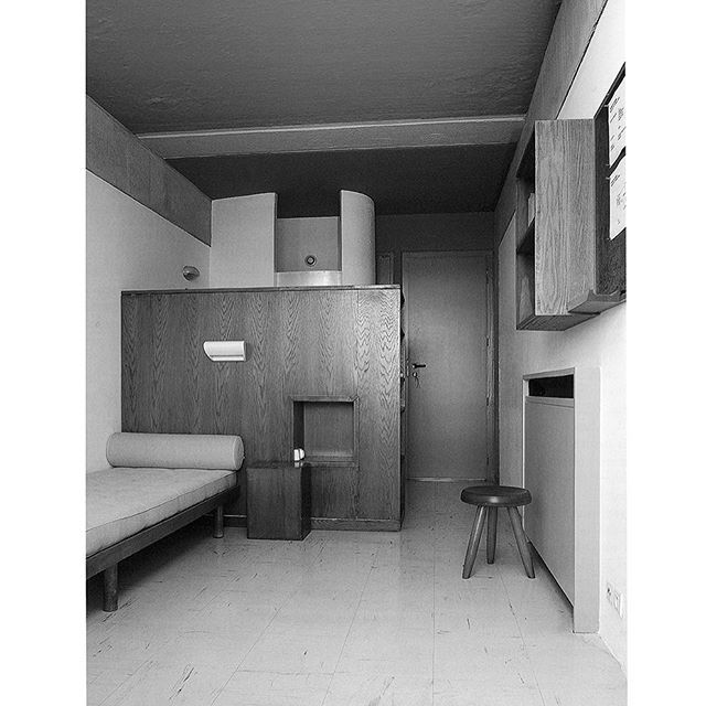 Maison du Brésil, Paris, with the interior designed by Le Corbusier and Charlotte Perriand #lecorbusier #corbusier #charlotteperriand #perriand #wallunit #maisondubresil #paris #citéinternationale #lighting #lamp #applique #light #luminaire# #bed #lit #cube #wallunit #shelf #dorm #dormitory #furniture #design #fondationlecorbusier #paris #london #galeriepatrickseguin More on www.patrickseguin.com