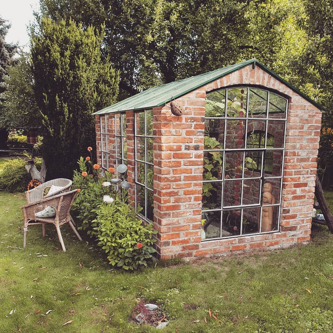 Ich Habe Heute Mit Meiner Oma Eine Sehr Nette Frau In Ihrem Garten Besucht So Ein Tolles Gewachshaus Wunsche Ich Mir Auch Gartengestaltung Garten Bauerngarten