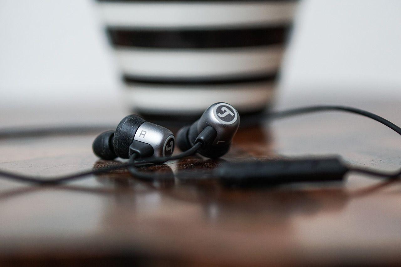 Teufel erweitert sein Kopfhörer-Sortiment und zeigt mit dem Teufel Move BT seinen ersten Bluetooth-In-Ear-Kopfhörer mit überdurchschnittlicher Akkulaufzeit.