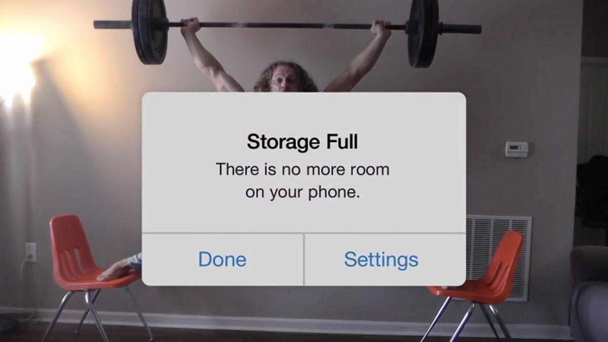 """""""Speicher voll"""": Mit dieser witzigen Werbung stichelt Google gegen iPhone-Nutzer - http://ift.tt/2aIXvgK"""