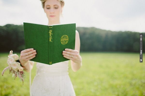 Robin Hood inspired wedding | With Love & Embers Photography | Bridal Musings | CHECK OUT MORE IDEAS AT WEDDINGPINS.NET | #weddings #greenwedding #green #thecolorgreen #events #forweddings #spring #emerald