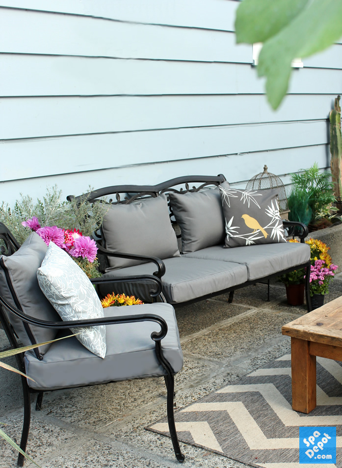 An Easy Diy To Recover Your Outdoor Furniture Cushions