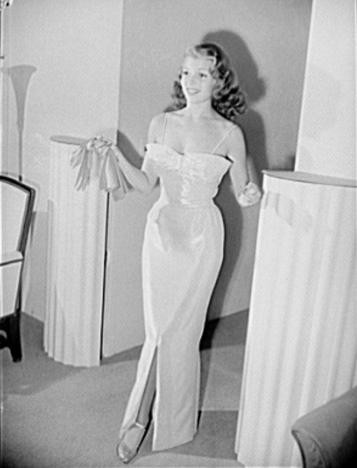 Rita hayworth style wedding dress