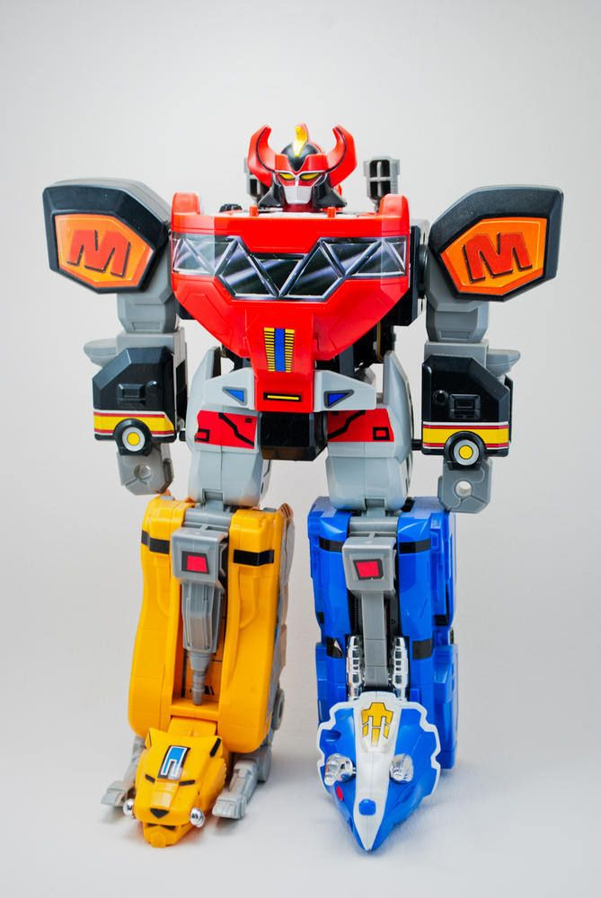 Bandai Power Rangers MMPR Dino Charge Pink Tricera Megazord Zord Action Figure