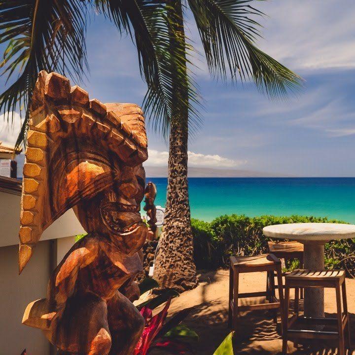 An Oceanfront Lahaina, Maui Hotel